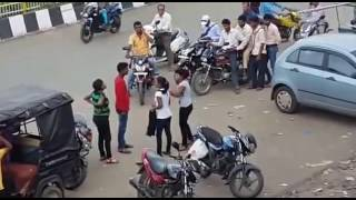 INDIAN COLLEGE GIRLS FIGHT IN BUSY MARKET