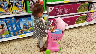 Peppa Pig (George) at Supermarket / Toy Shopping Cart / Kids Song