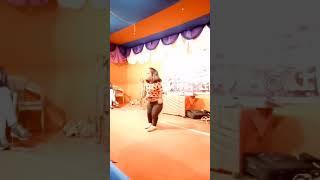 Dil chori sada....dance moves by a littel girl..