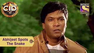 Your Favorite Character | Abhijeet Spots The Snake | CID