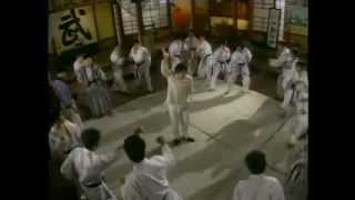 Donnie Yen - Fist Of Fury (1995) Bruce Lee Impersonator Fight Clip (COMEDY!!!)