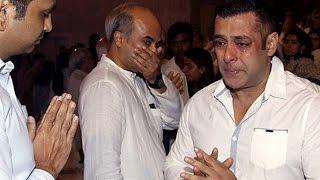 Salman Khan CRIES at Rajat Barjatya