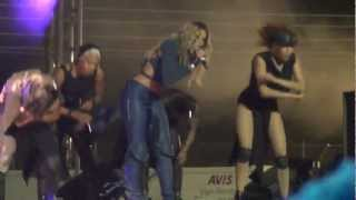 Ciara Murder she wrote...dancing for fans live/loose control in South Africa Sept 2012