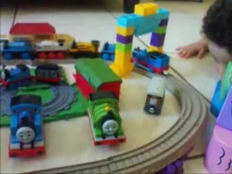 Rodrigo com Thomas e seus amigos