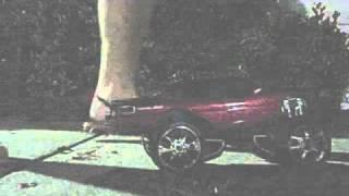 Female crushing Three cars 0001