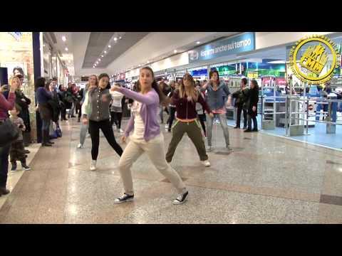 Xxx Mp4 The Black Eyed Peas Tribute Flashmob 3gp Sex