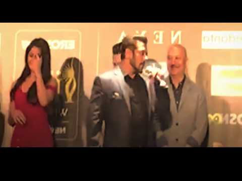 Salman Khan Kiss Katrina Kaif In Back Stage Of IIFA Leaked Video || BollywoodGossip Studio