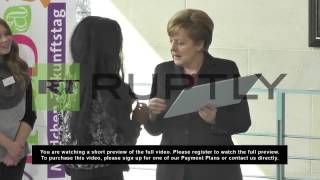 Germany: Merkel opens the Chancellery up to the girls