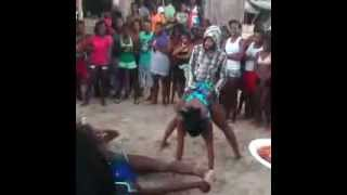 Man Jumps On Girl Back - Dangerous Dance Move #Dancehall