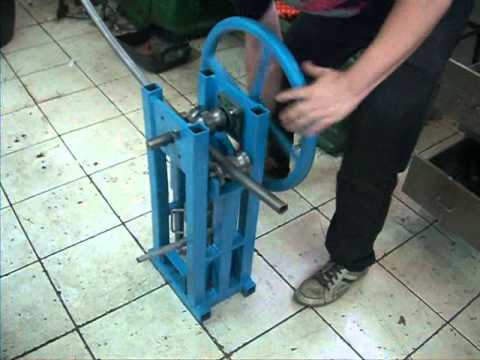 calandra manual artesanal homemade ring roller