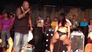 Mr Catra e Dançarina - Show em Recife Lotado - HD 720p