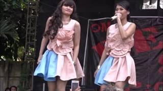 Konser Menggairahkan Duo Anggrek   Mozza dan Devay Goyang Dada Mentok