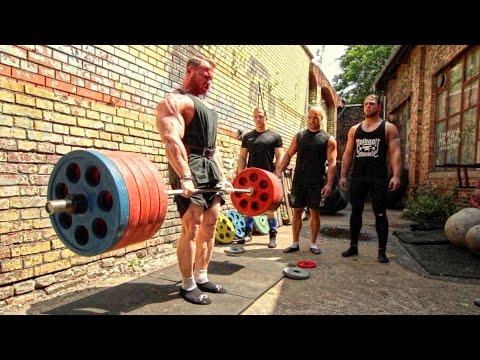 Bodybuilder Owns FOUR Powerlifters Deadlift Session
