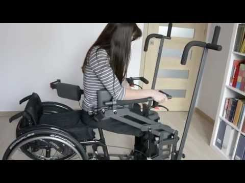 Unaided standing up from a wheelchair