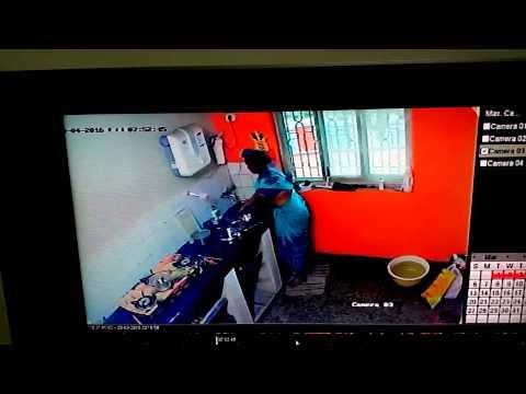 Maid Urinating in Utensils Caught on Camera(2)