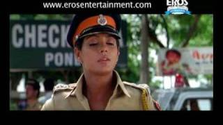 Paresh Rawal impresses Police inspector | One Two Three