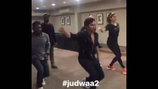 JUDWAA Part 2 Leaked Video Of Varun Dhawan & Tapsee Pannu Aww Moment While Dancing On Set