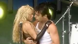 Shakira dancing tango [2002]