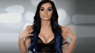 10 WWE Divas with Real Breasts