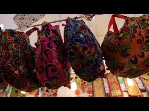 Xxx Mp4 400 টাকায় কাশ্মীরি লেডিস ব্যাগ স্টল 2019 ঢাকা বাণিজ্য মেলা 2019 DITF VLOG 3gp Sex