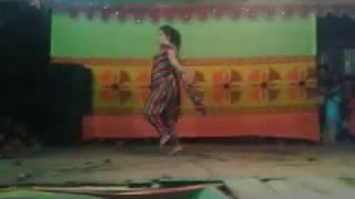 গ্রামের স্কুল ছাত্রীর খোলা - মেলা নাচ ( BD Village Girl Open Hot Dance )