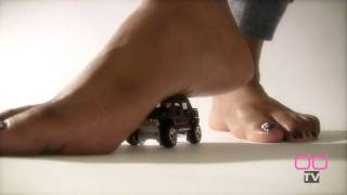 Darla TV - Giantess Feet Crush Hummer, Round 2