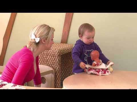 Xxx Mp4 A Very Young Child Putting A Bib On A Doll 3gp Sex