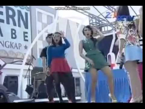 Goyang DUMANG HOT INBOX - Rok mini
