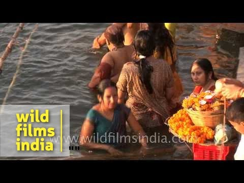 Xxx Mp4 Women Bathing In Ganges River During Shivratri Varanasi 3gp Sex