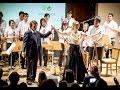 Download Video Download El Tamborilero. Raphael y la Orquesta de Instrumentos Reciclados 3GP MP4 FLV