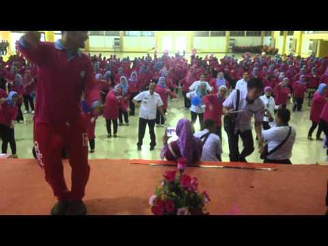 GEMU FAMIRE @ JAMBORE POSYANDU 2016 DGN WALIKOTA PALEMBANG