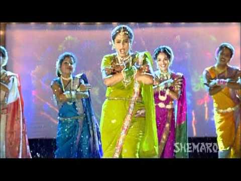 Koni Karal Ka Majhi Sutka - Surekha Kudchi Perform Sexy Marathi Lavani - Chal Gammat Karu
