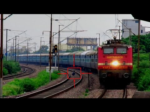The Dirty Side of INDIA : Man Poops Calmly and watches the smooth entrance of  the Train