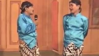 DAGELAN BAGIO CS.. Nyebleki Bokong e Morotuo