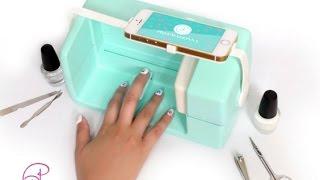 للبنات روبوت للرسم والطباعة على الأظافر  باستخدام الهاتف الذكي