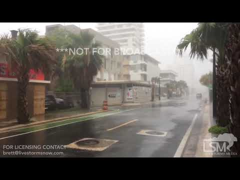 09/06/2017-San Juan, PR- Hurricane Irma outer bands wind and rain