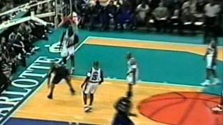 One-Handed Alley-oop by Vince Carter from T-Mac