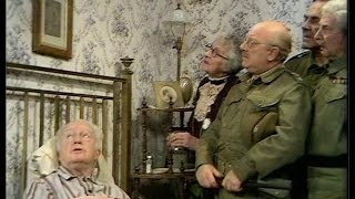 Dad's Army - Branded - NL Ondertiteld - 'What's that photograph of you?...'