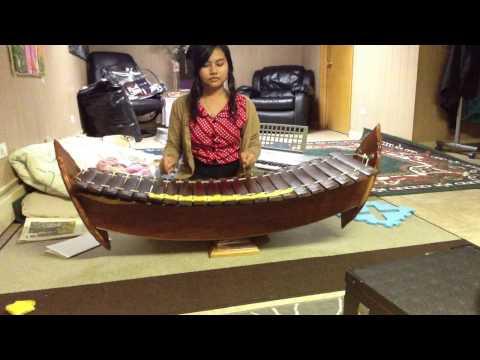 Robam Chun Por instrumental music Roneat Aek