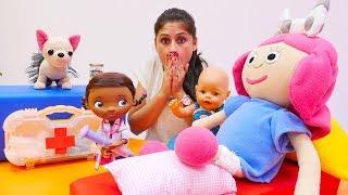 Ayşe, Lili, Loli ve bebek Gül 👶 hasta ziyarete gidiyorlar #Smarta ayağını kırıyor 🏥 #Evcilikoyunları