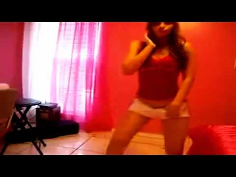 mujeres bailando dembow
