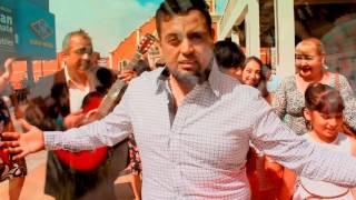 Omar Castillo -Canta