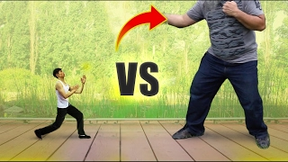 How to fight someone BIGGER than you - How to defend yourself against a bigger attacker & stronger