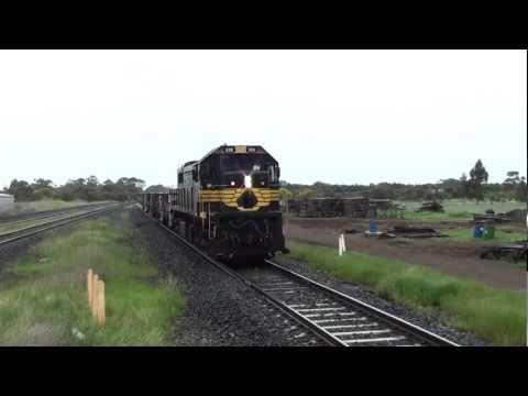 Horn show! X39 Pacific National wagon transfer at Lara.
