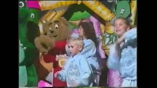 The Fun Song Factory Song Clip   The Hokey Kokey   1994