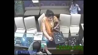 Pakistani Thief Girl Showing Her Assets During Theft Caught On CCTV Must Watch