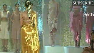 Sonam Kapoor flaunts her hot big assets ramp walk Lakme