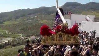 La Despedía de Álora [20]: Caídas peligrosas ante la subida del rápida del Nazareno de las Torres