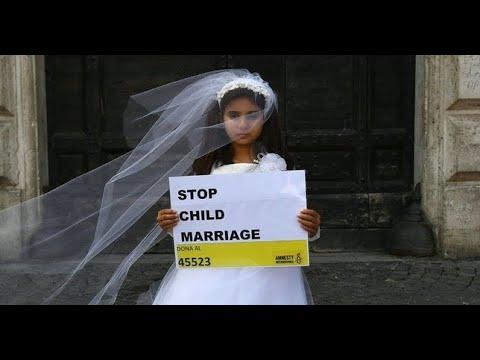 NIÑO DE 8 AÑOS SE CASA CON ANCIANA DE 61 AÑOS. Casamiento en Africa