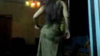رقص عراقي اصيل بواسطه السنونو.3gp